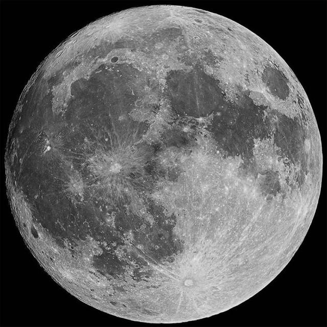 1000200   2 Nikon D5100 moonhellip